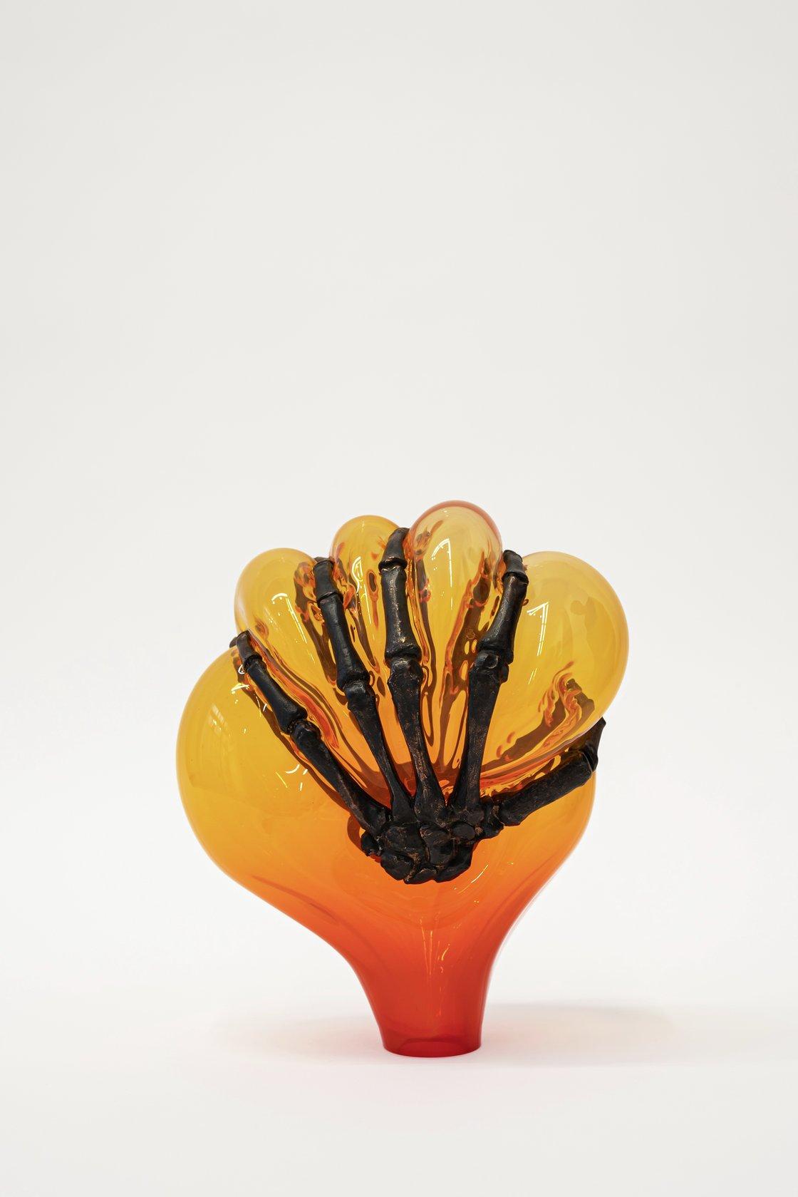 Jean-Luc Moulène, Untitled 3 (cage de mains), 2021