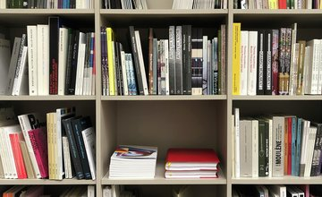 <p>Book donation, Libraries Without Borders, Paris Gallery Weekend, 2020, Galerie Chantal Crousel, Paris.</p>
